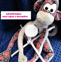"Boîte à mobile ""ANASTASIA : ONCE UPON A DECEMBER"""